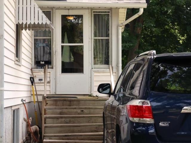 710 10th street Ames, iowa- entrance & parking