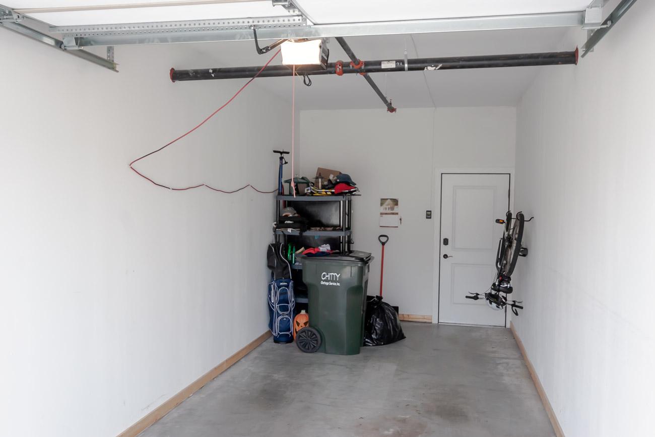 Suncrest Storage garage